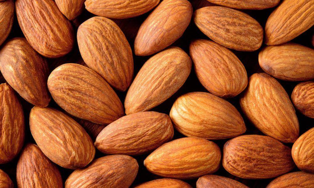 Nusse Zahlen Zu Den Gesunden Snacks Vor Allem Mandeln Sind Reich An Wichtigen Proteinen Gesunden Fetten Und Verfugen Flat Belly Foods California Almonds Food