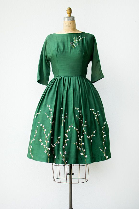Vintage 1950s green party dress with painted flowers  Playing ...