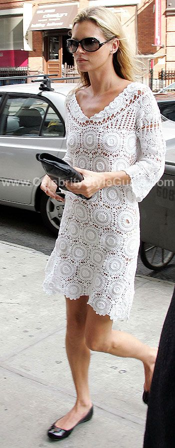 This is a very classical look. Kate is wearing a Chanel vintage crochet dress. Paired with Chanel ballerina flats this look exudes style but yet a classic simple look!