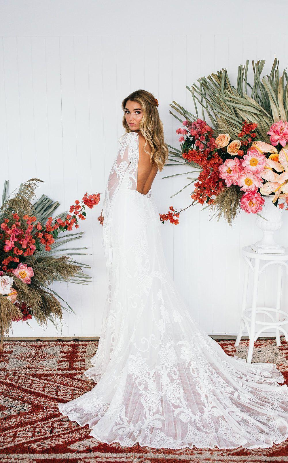 Beach Wedding Editorial with Dried Florals and Papaya Wedding
