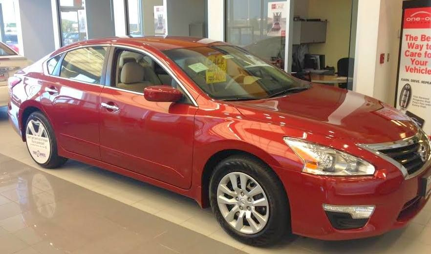 Everyone, this 2014 Cayenne Red Nissan Altima to