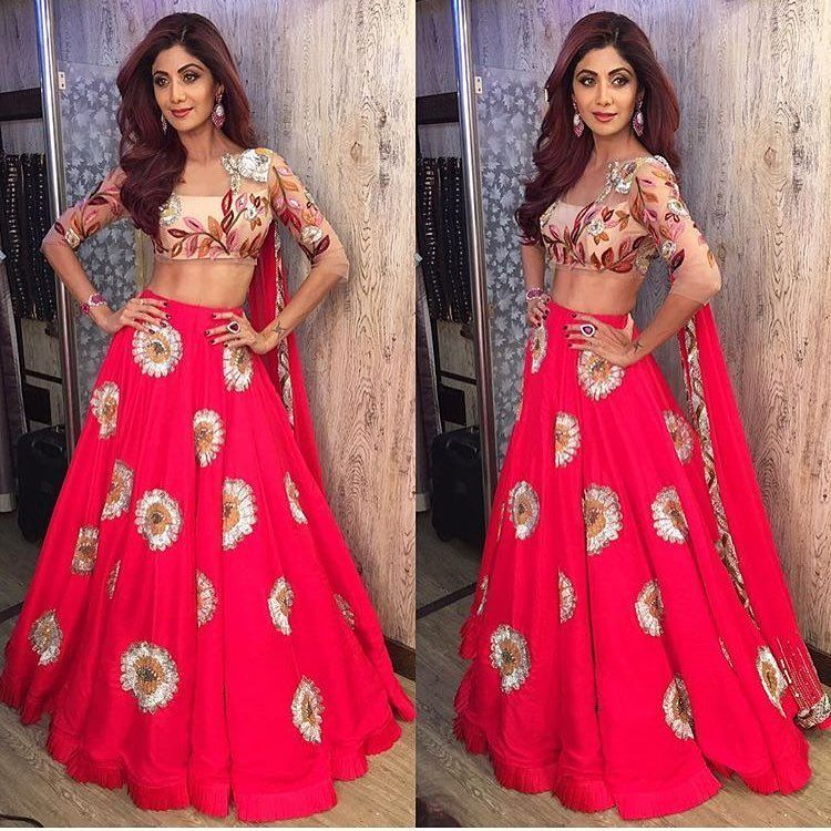 "3,123 Likes, 12 Comments - Manish Malhotra World (@mmalhotraworld) on Instagram: ""Stunning as always @officialshilpashetty in a bespoke #ManishMalhotraLabel red skirt and tulle…"""