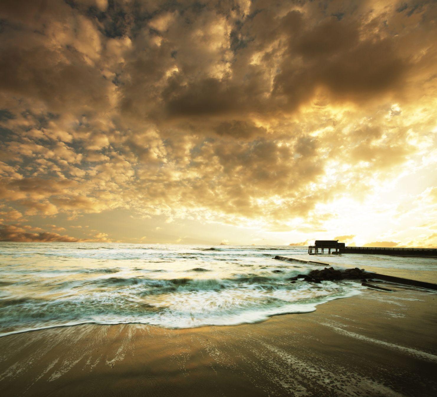 Beach before the sea