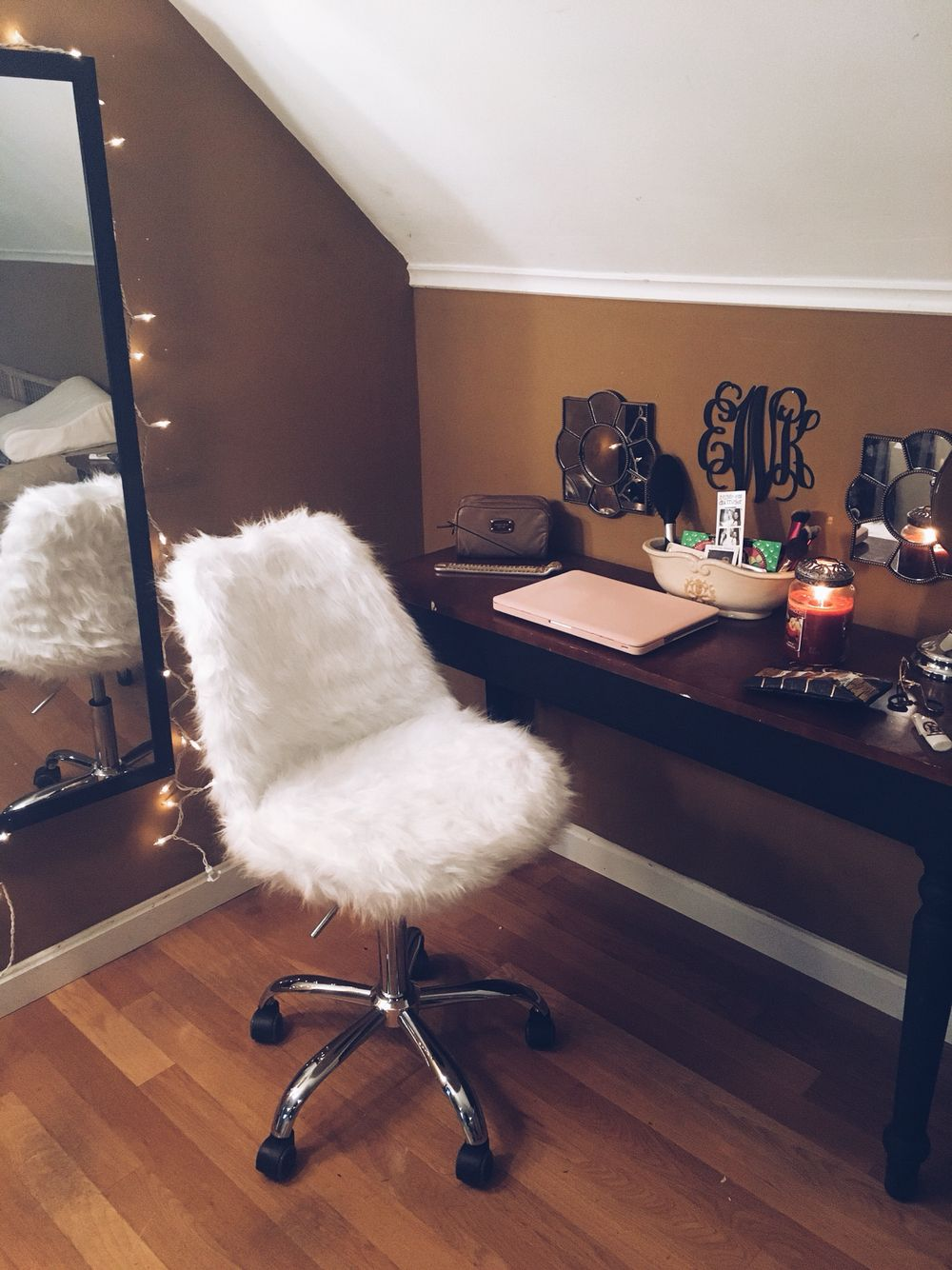 DIY vanity make up desk painted table myself and the mirror opens