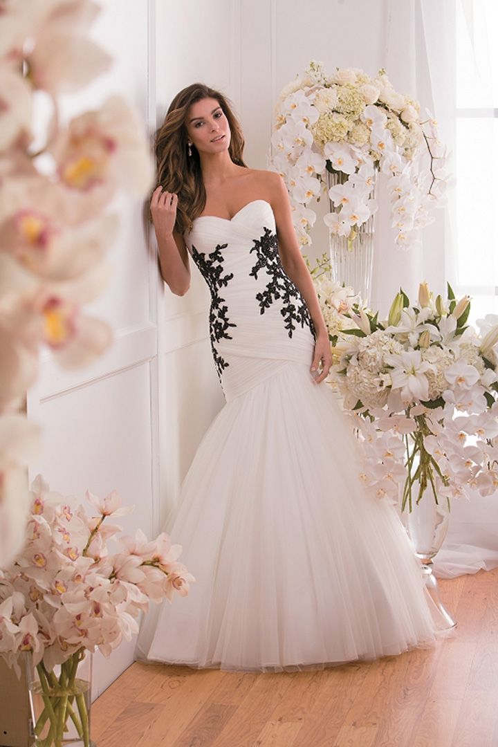 Gown wedding dress