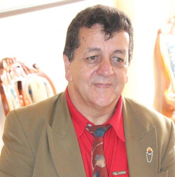 El nuevo periódico para los pereiranos – Periódico Regional de Pereira y el  Eje Cafetero | Men's blazer, Blazer, Men