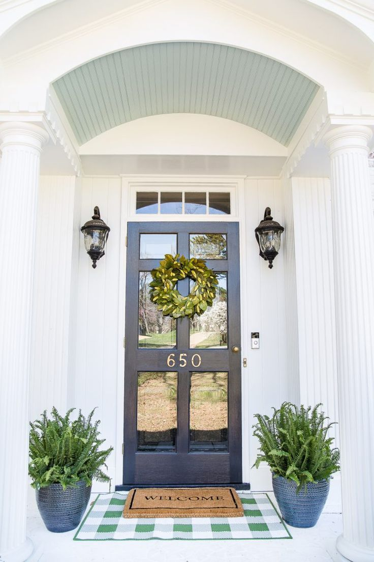 How to Decorate a Small Porch Stoop in 4 Easy Steps - Bless'er House
