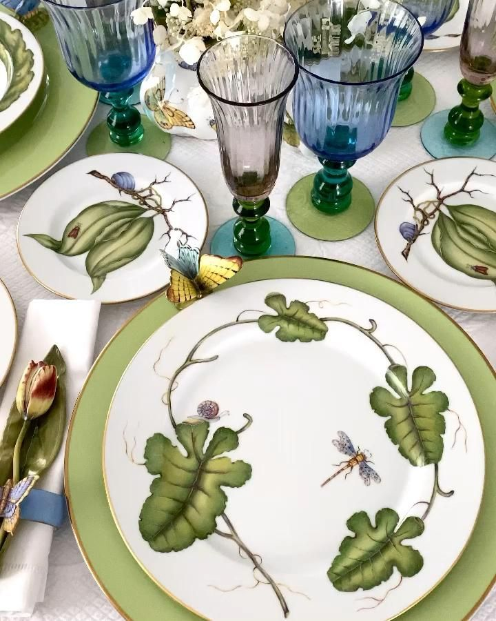 Green leaves forever!  Hand-painted porcelain dinner service, beautifully decorated with green leaves.  This hand painted porcelain dinner service is now available on my website www.annaweatherley.  #annaweatherley #giftsforher #gifts #tabledecor #weddinggift #tablewaredesign  #dinnerparty #tabledesign #homedecor #interiordecor #interiors #interiordecoration #interiordesign #interiordesigner #interior #interiordesignideas #interiordecorating #interiorstyling #interiorinspo #interiorstyle