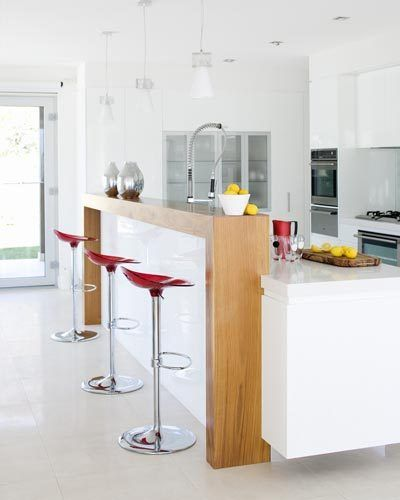 Home Made Of Glass: Nice Clean Kitchen White Caesar Stone