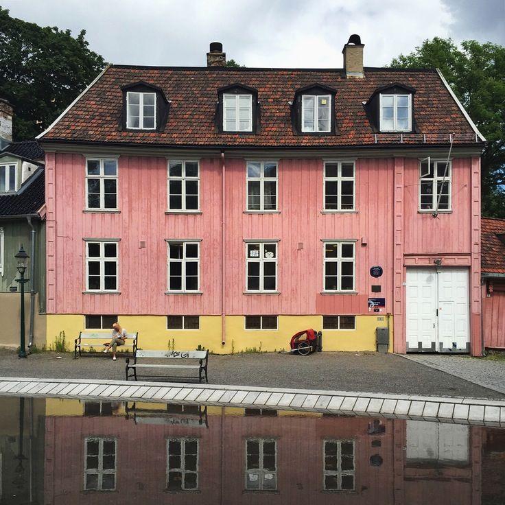 #oslo #house #houseportrait #reflection #norway