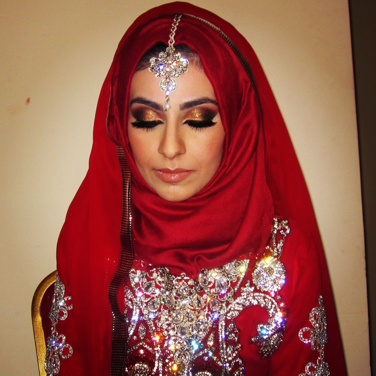 gold and red indian bride makeup Google Search Indian