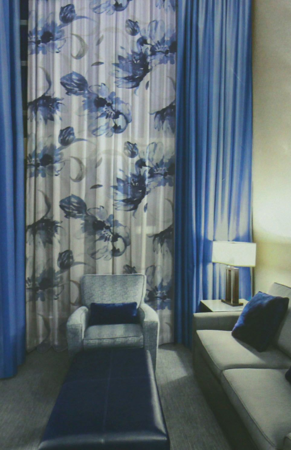 O Tecido Para Cortinas De Tafet Com Estampa Floral Outra Op O  -> Cortinas Para Sala Azul