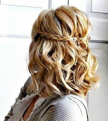 Peinado en media melena con ondas y trenzas recogidos y - Peinados en melenas ...