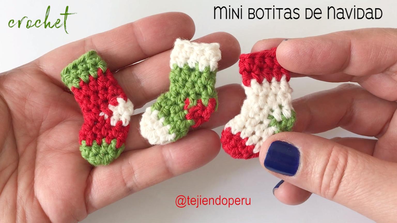Mini botas o medias de Navidad tejidas a crochet #crochetformoney