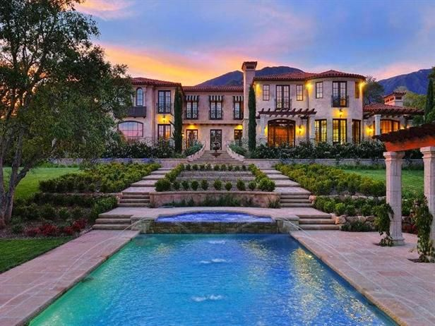 Homes for sale with palatial pools hgtv frontdoor real estate traveling pinterest maison - Residence de luxe montecito santa barbara ...