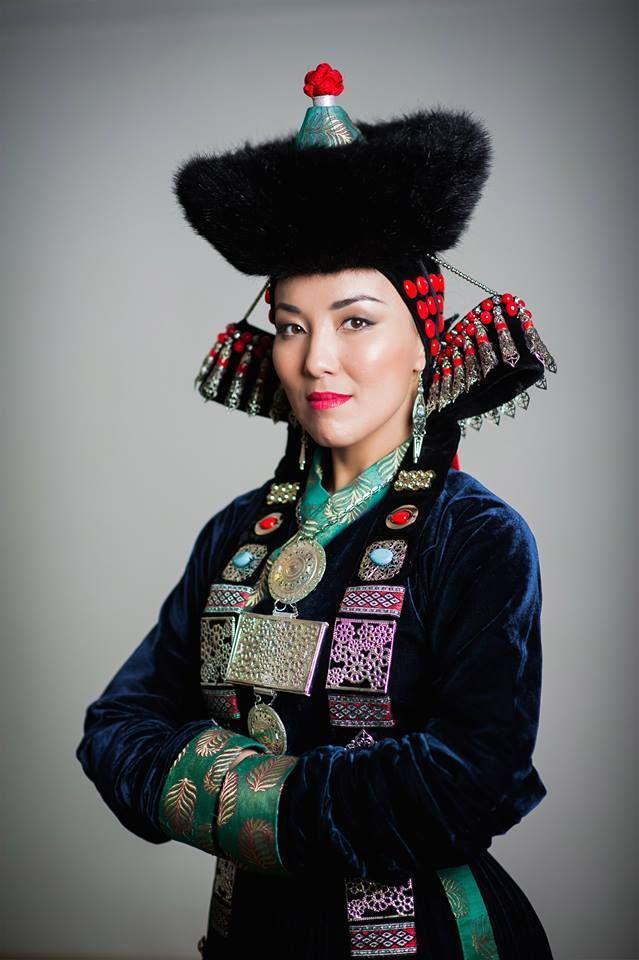 Монгольский национальный костюм фото