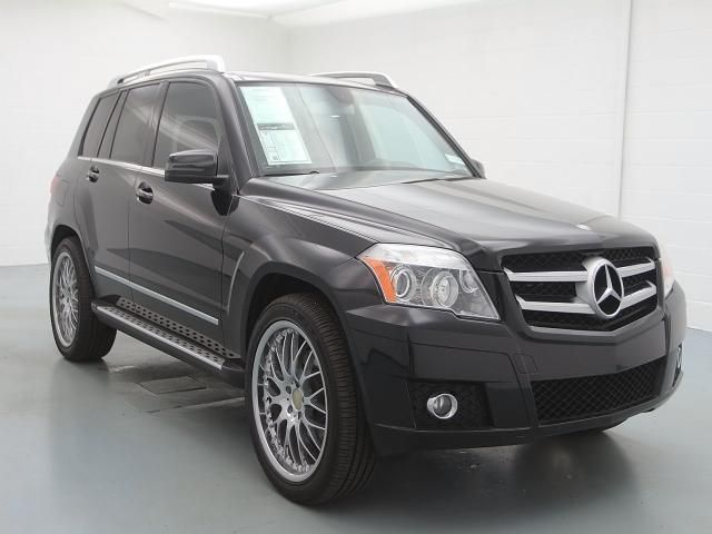 This '10 Benz GLK is $5900 below market average! That's one  Gook Looking Car :)  http://www.autosaver.com/product/details/9832707/