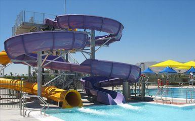 Best Public Pools In Las Vegas Cbs Las Vegas Las Vegas Pool Las Vegas Places Worth Visiting
