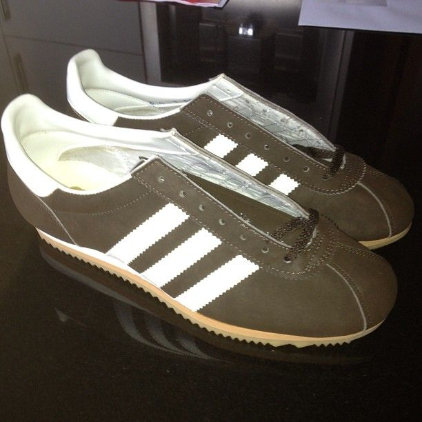 Pin by Shah iqq on Vintage | Adidas shoes, Vintage