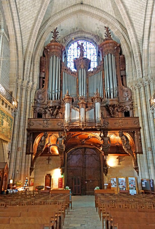 66 pipe organ in angers
