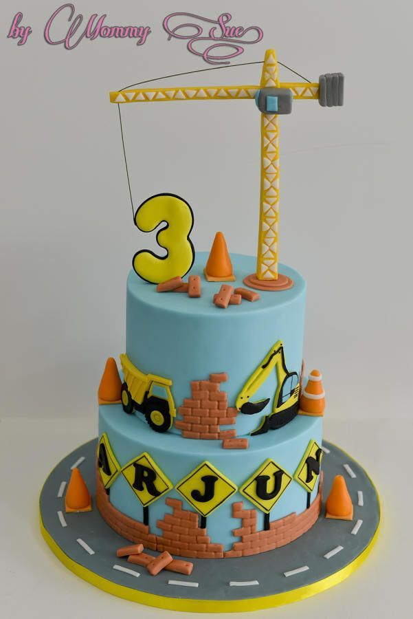 Another Fun Cake I Made With A Construction Themed Cake The Tower Crane Was Mad Anoth Graafmachine Taart Lego Taart Taart Fondant
