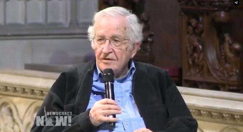 Na noite de segunda-feira, a Democracy Now! comemorou o seu 20º aniversário nas instalações da histórica Igreja de Riverside, em Nova York. Entre os mais de 2.000 apoiantes que compareceram, esteve Noam Chomsky, personalidade de renome internacional