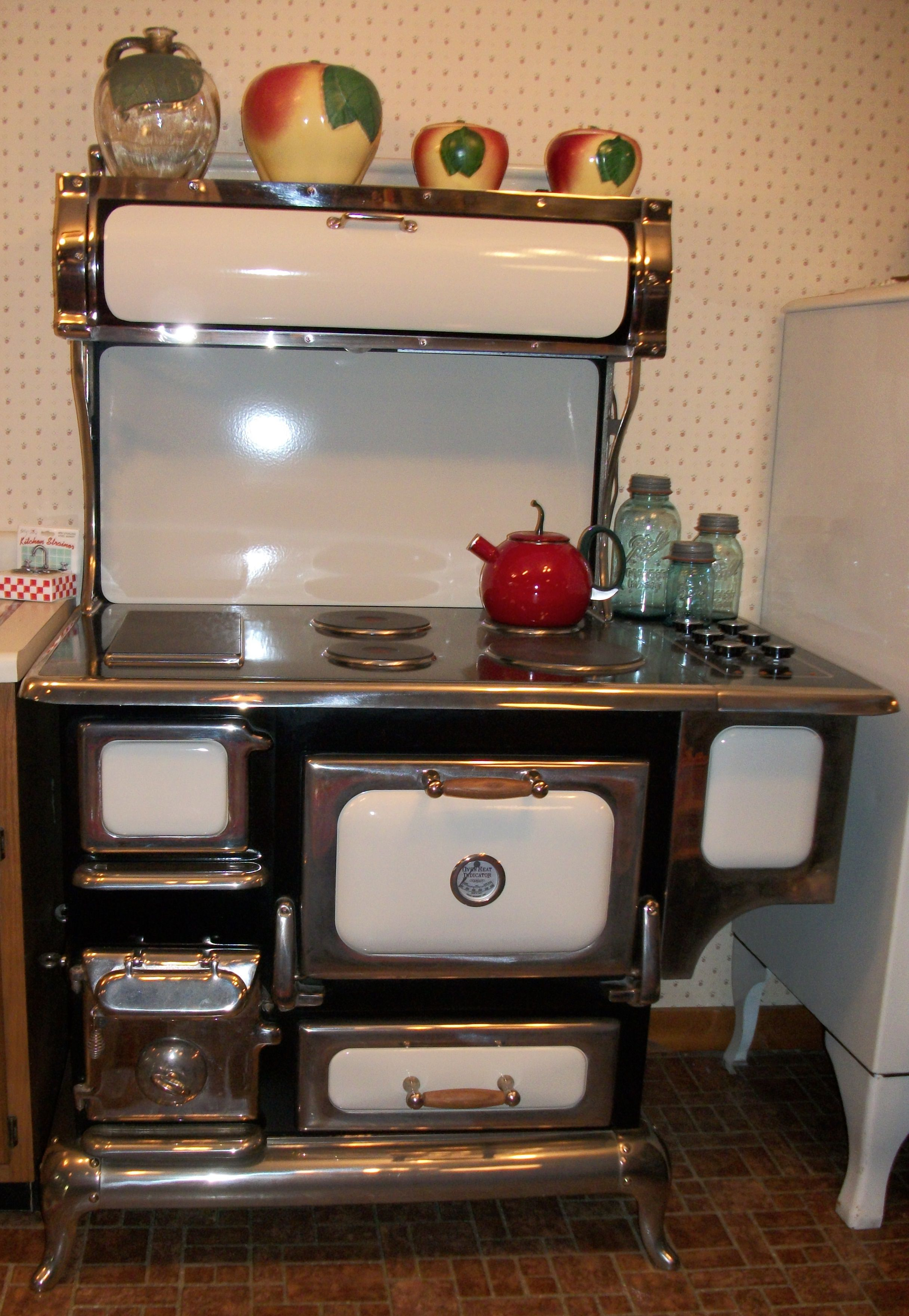 Antique Looking Kitchen Appliances Wood Burning Cook Stove Hints Love The Warming Drawer Above And