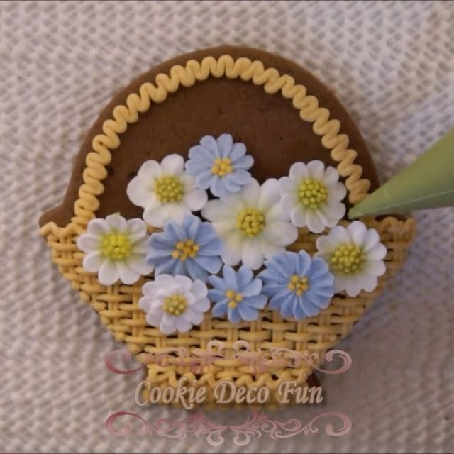 "377 Likes, 8 Comments - ☘ Nell (@cookie.deco.fun) on Instagram: ""Baby shower cookie set #babyshower #lace #icing #sugarart #royalicing #cookies #icingsugar…"""