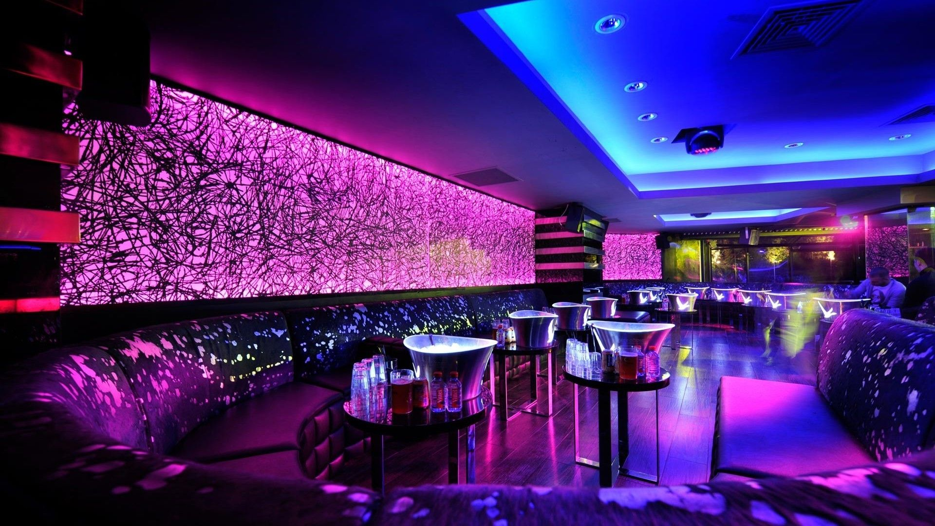 Awesome Bar And Lounge Design With Orange Blue White Lighting ...