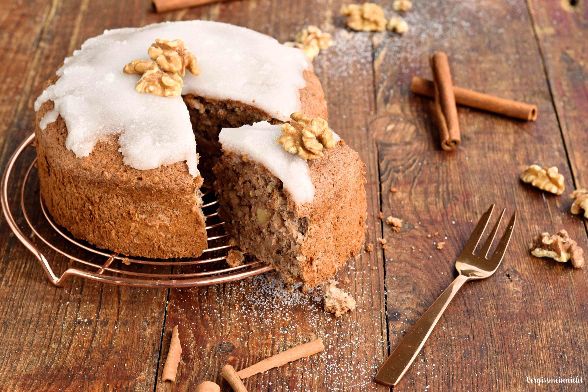 Zimtsternkuchen Mit Zimtstern Dekoration Von Vergissmein Nicht Winter Kuchen Kuchen Und Torten Kuchen