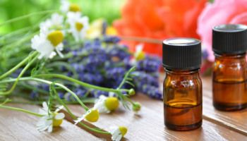 How to Make a Natural First Aid Kit with Essential Oils