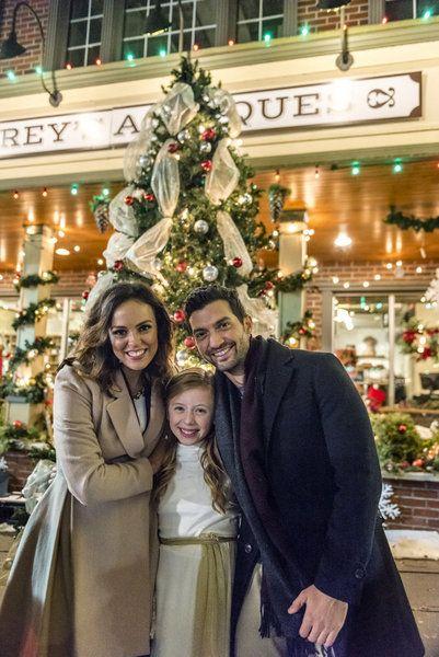 Sleigh Bells Ring Hallmark Movie | Family christmas movies, Christmas movies, Christmas favorites