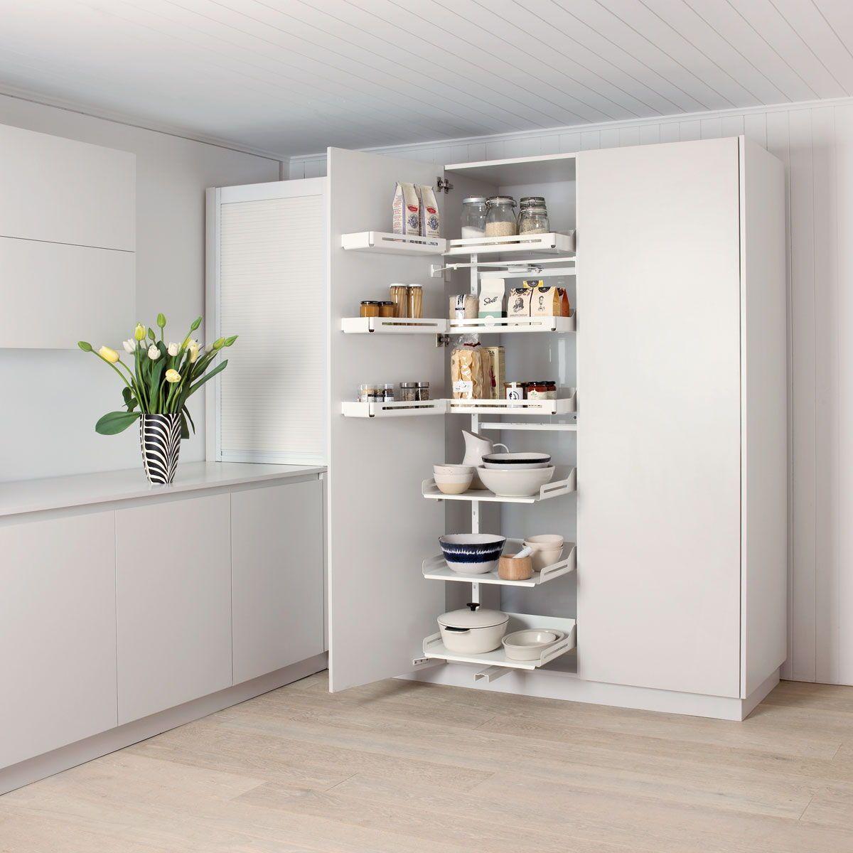 Hochschrank Pleno Plus in der Küche, Apothekerschrank und