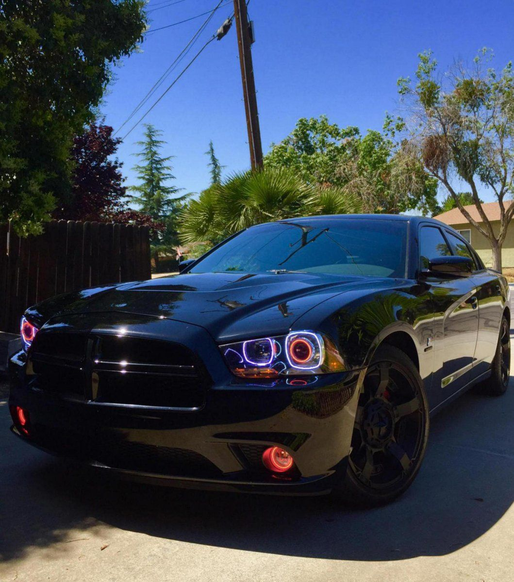 Rock on with this Dodge Charger R/T and Rockstar Rims