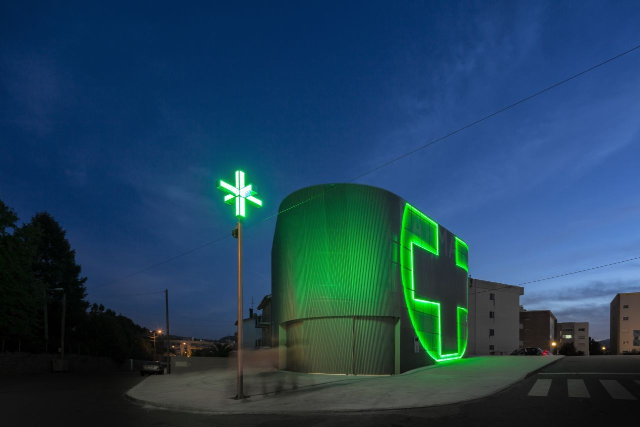 portugal+architecture | Modern architecture in pharmacy by José Carlos Cruz Arquitecto, Vila ...