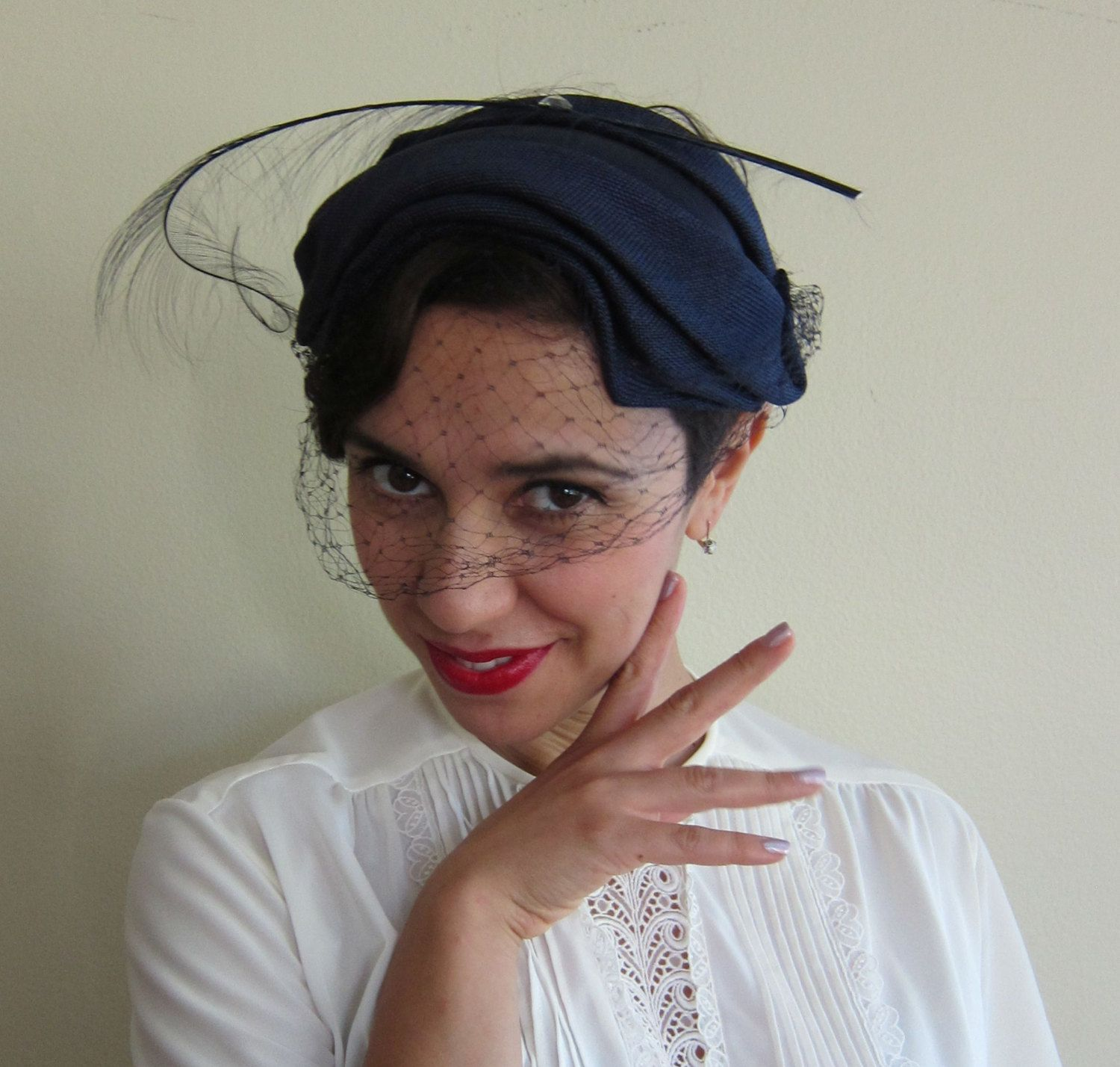 Vintage 1950s Cocktail Hat in Navy Blue   50s Fascinator Hat Headband Style  with Feather by BasyaBerkman on Etsy 40f3f9522f3