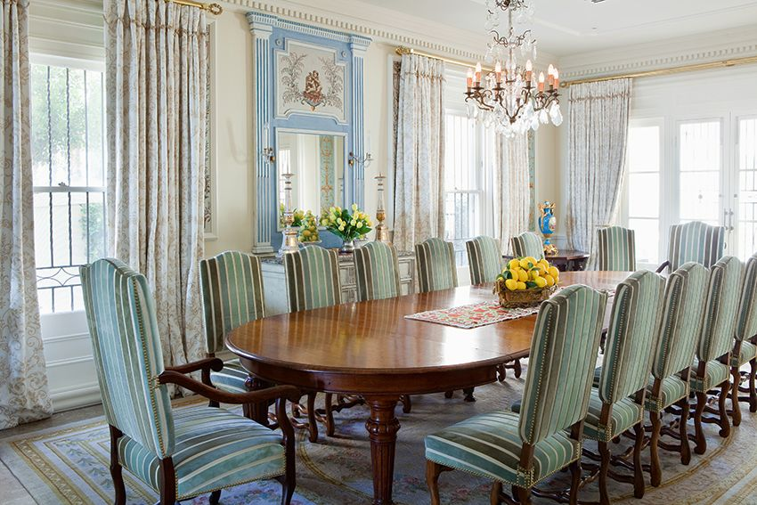 This Dining Space Designed By Thomas U0026 Alexander Interiors Epitomises Regal  Elegance.