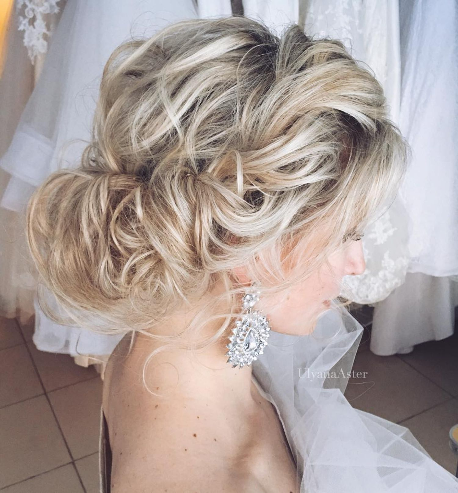 updos for thin hair that score maximum style point in