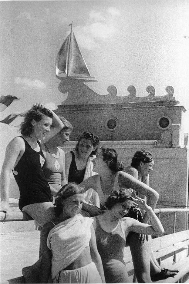Москва. Северный речной порт. 1938. Фото Э. Евзерихина
