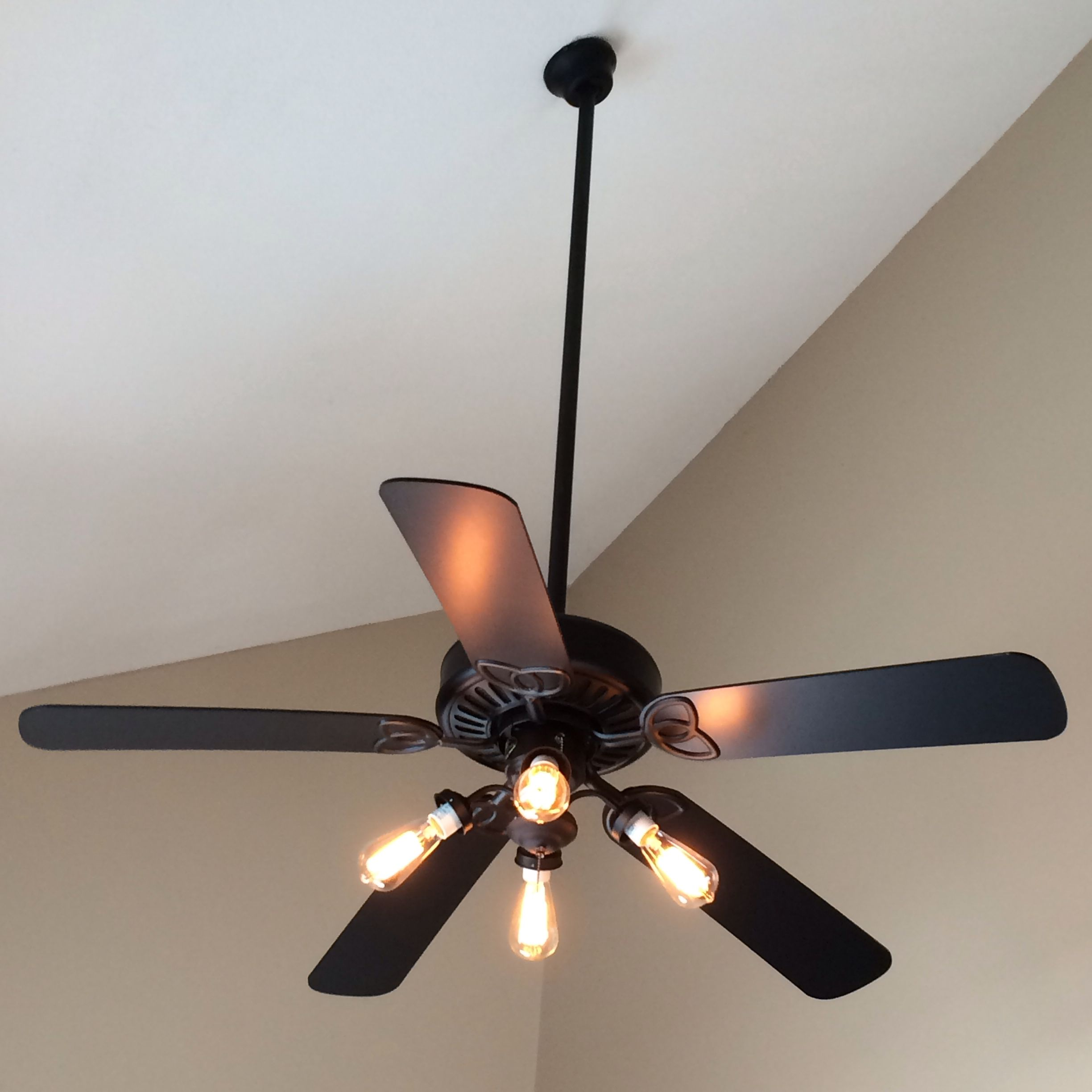 Quick Ceiling Fan Makeover Simply Remove The Shades And Screws And Use Edison Bulbs For A More Mode Ceiling Fan Makeover Fan Light Ceiling Fans Without Lights