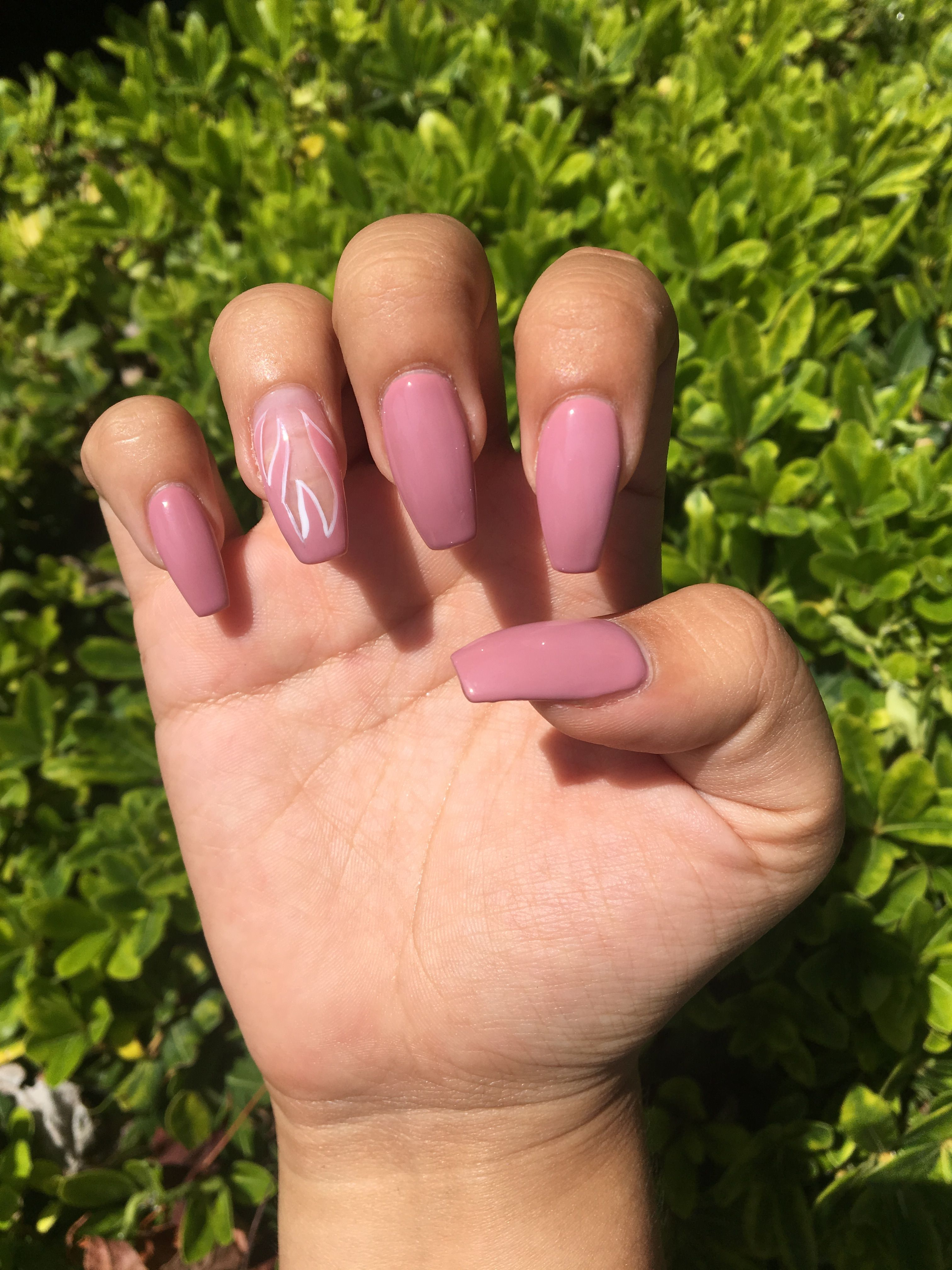 Mauve Pink Acrylic Flame Fire Nails With White Outline Fire Nails Pink Acrylic Nails Nails