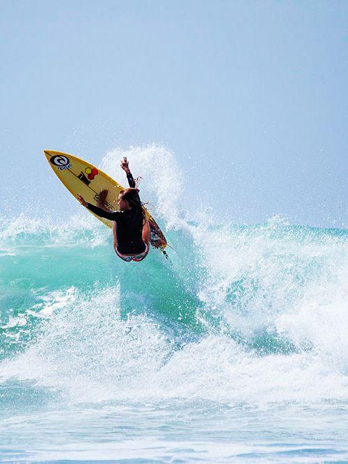 Alana Blanchard shredding! #SurfCourageously