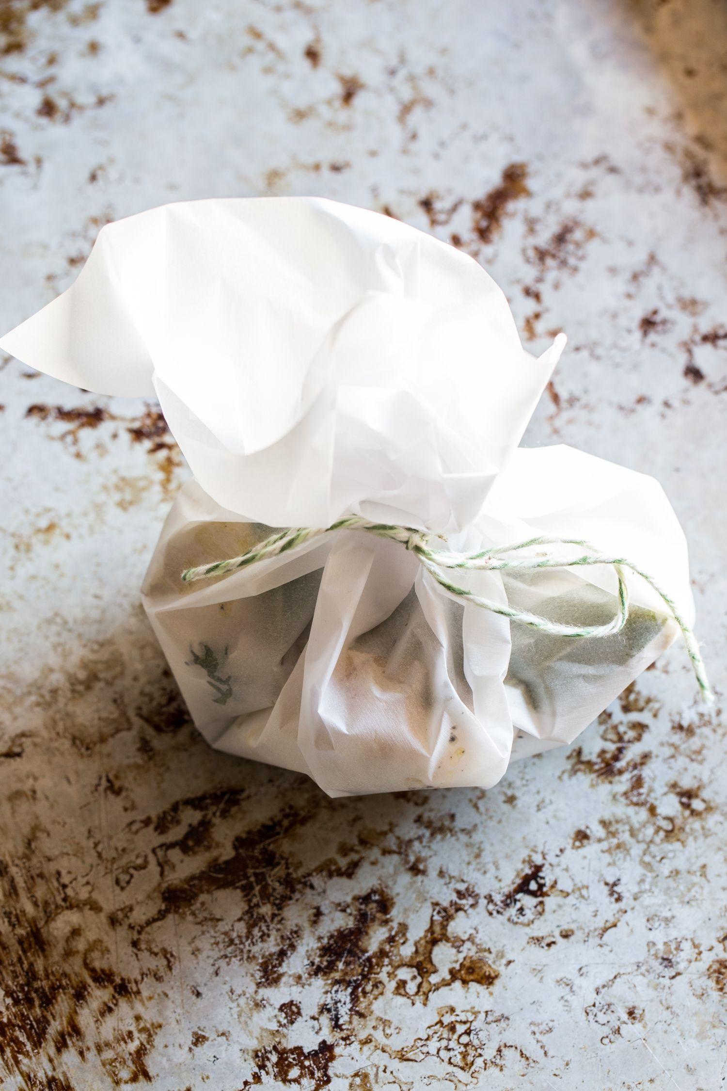 Roasted Garlic Herb Cream Cheese Mashed Potatoes | JellyToastBlog.com