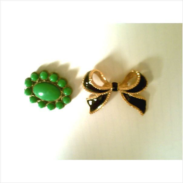 FAB VTG. KJL FOR AVON BLACK ENAMELED BOW DRESS ORNAMENT & GREEN BROOCH on eBid United States