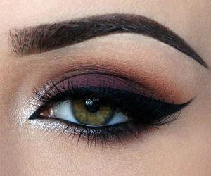 maquillage yeux bordeaux