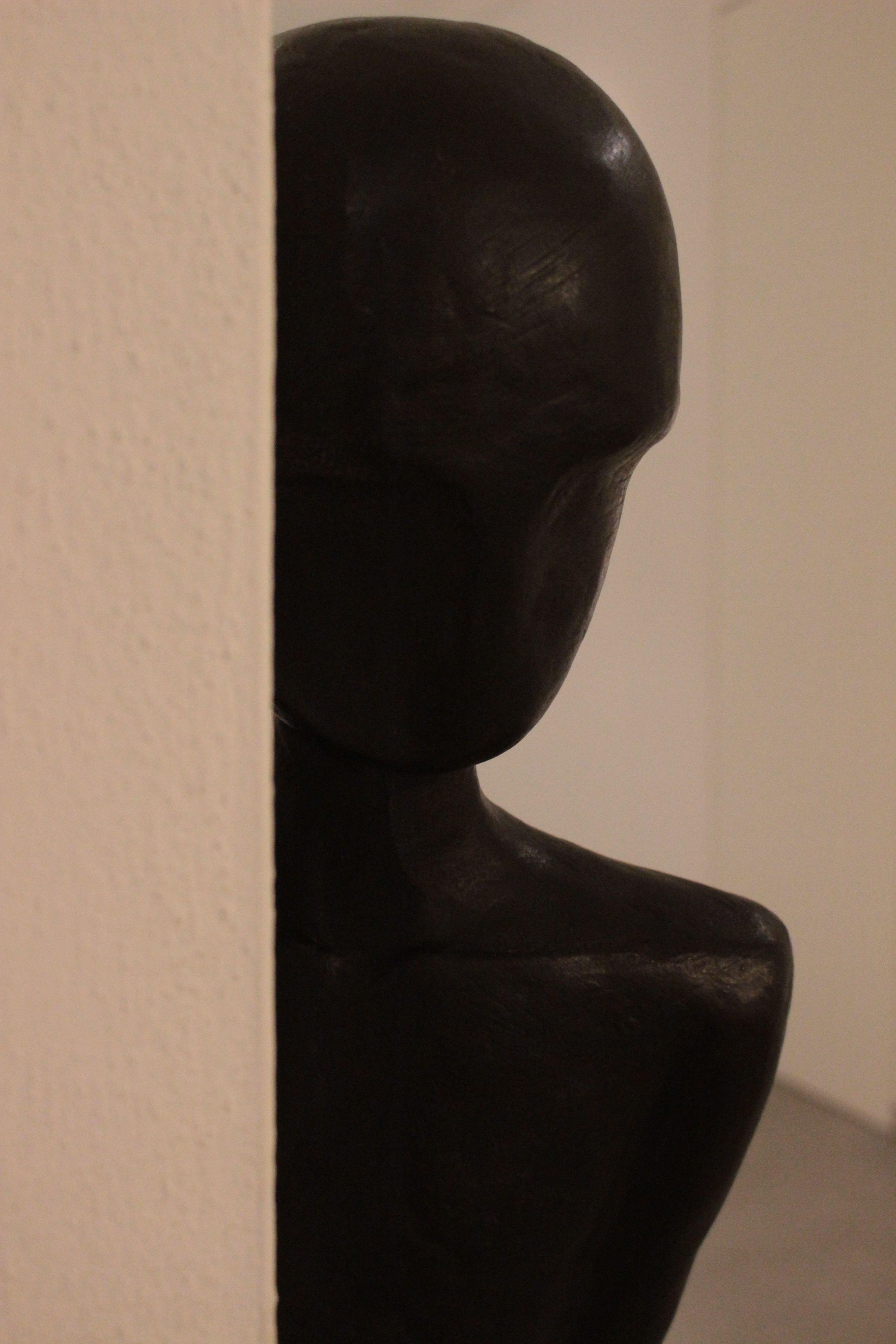 Alex Pinna, Waiting for (detail), 2011, bronzo patinato, 30x163x18 cm #contemporary #art #sculpture