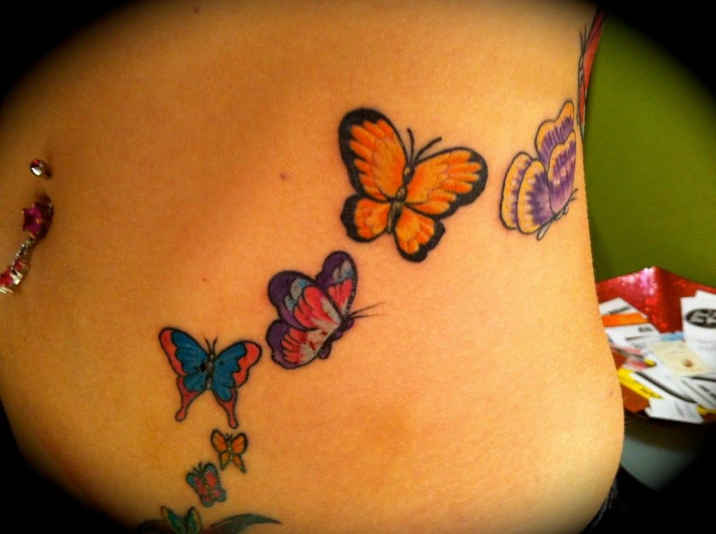 tatouage femme discret papillon. Black Bedroom Furniture Sets. Home Design Ideas
