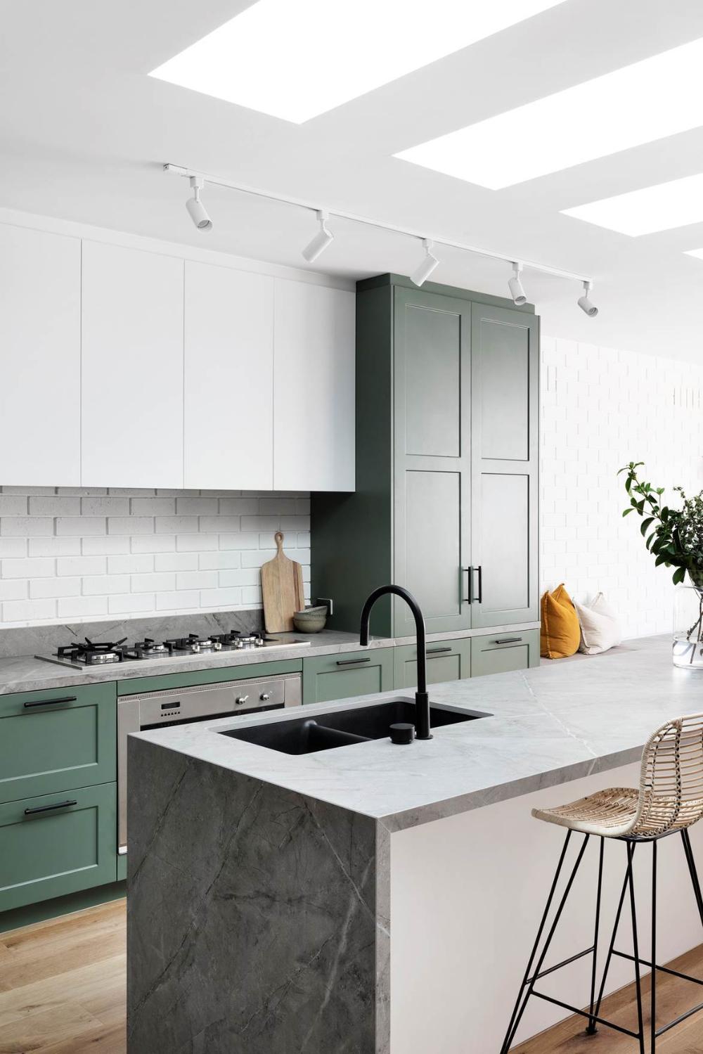 9 green kitchen design ideas   Green kitchen designs, Kitchen ...