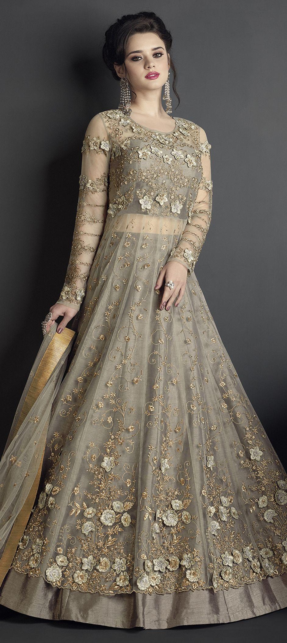Simple Choli Wedding Cotton Bridal Blousedesigns Diy Saree Bridesmaid Saby Indian Gowns Dresses Indian Bridal Wear Party Wear Indian Dresses [ 2112 x 942 Pixel ]