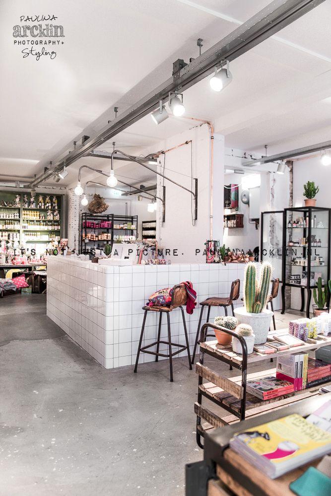 Paulina arcklin pt post concept store n bergen the for Tiendas de muebles para restaurantes